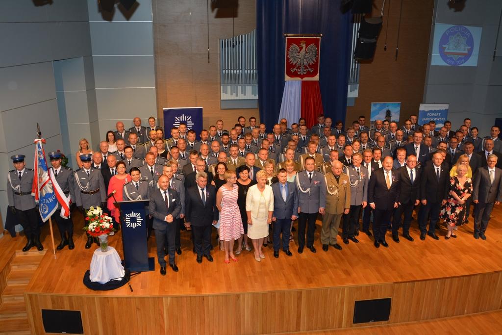 Galeria zdjęć: Burmistrz Pruchnika odznaczony podczas Święta Policji w jarosławskiej komendzie